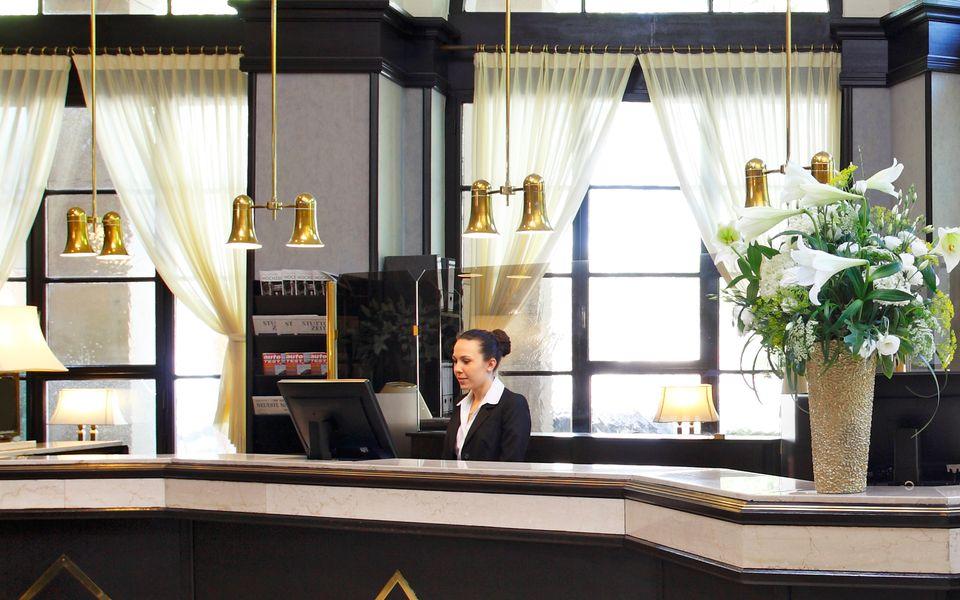 ausbildung jobs in gastro und hotellerie in karlsruhe. Black Bedroom Furniture Sets. Home Design Ideas